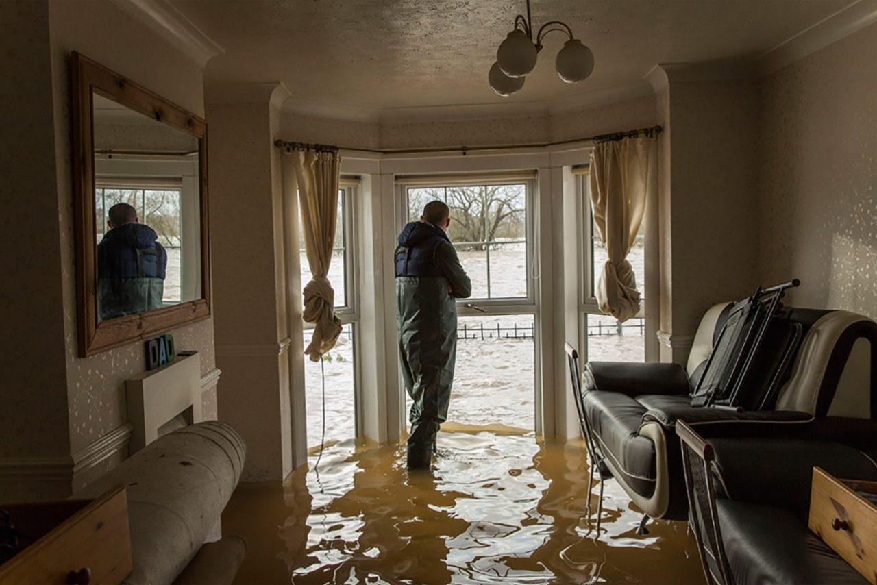 Immediate Steps while experiencing Water Damage