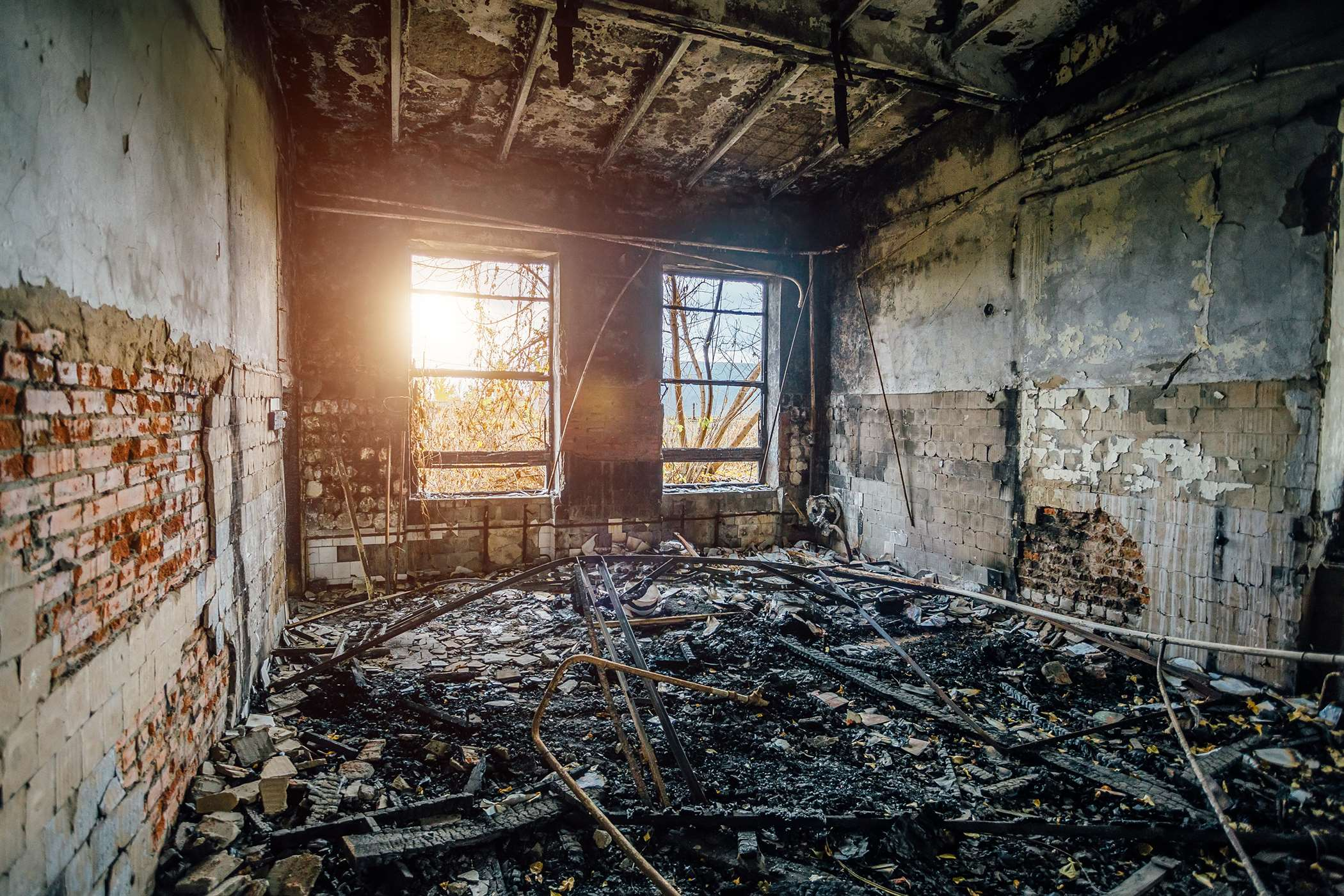 Best Smoke And Soot Restoration Services In USA 2021